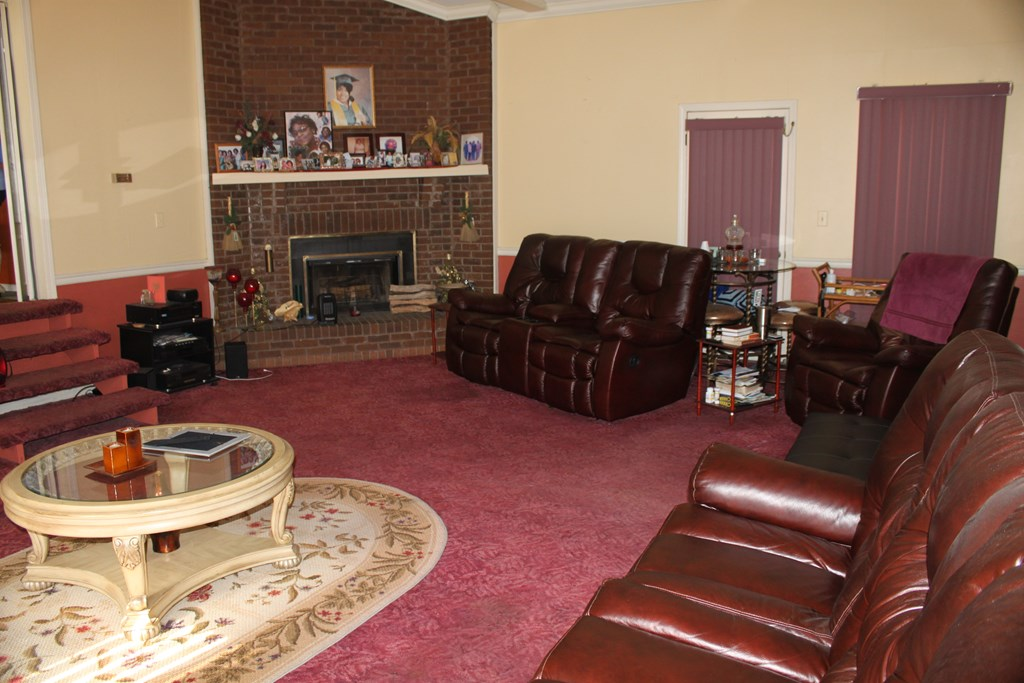 206 Shelley Dr -5