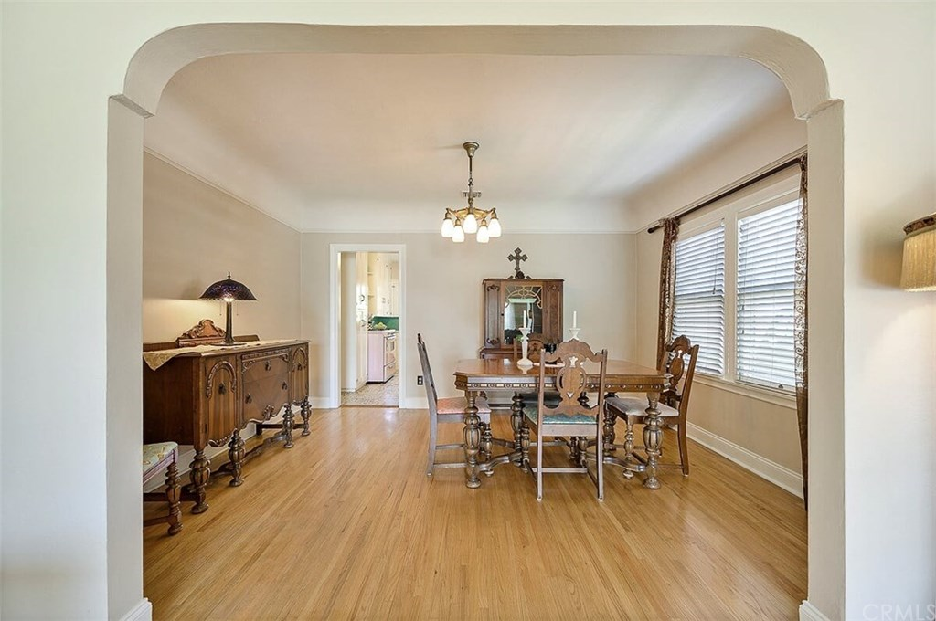 529 W Whiting Avenue-11