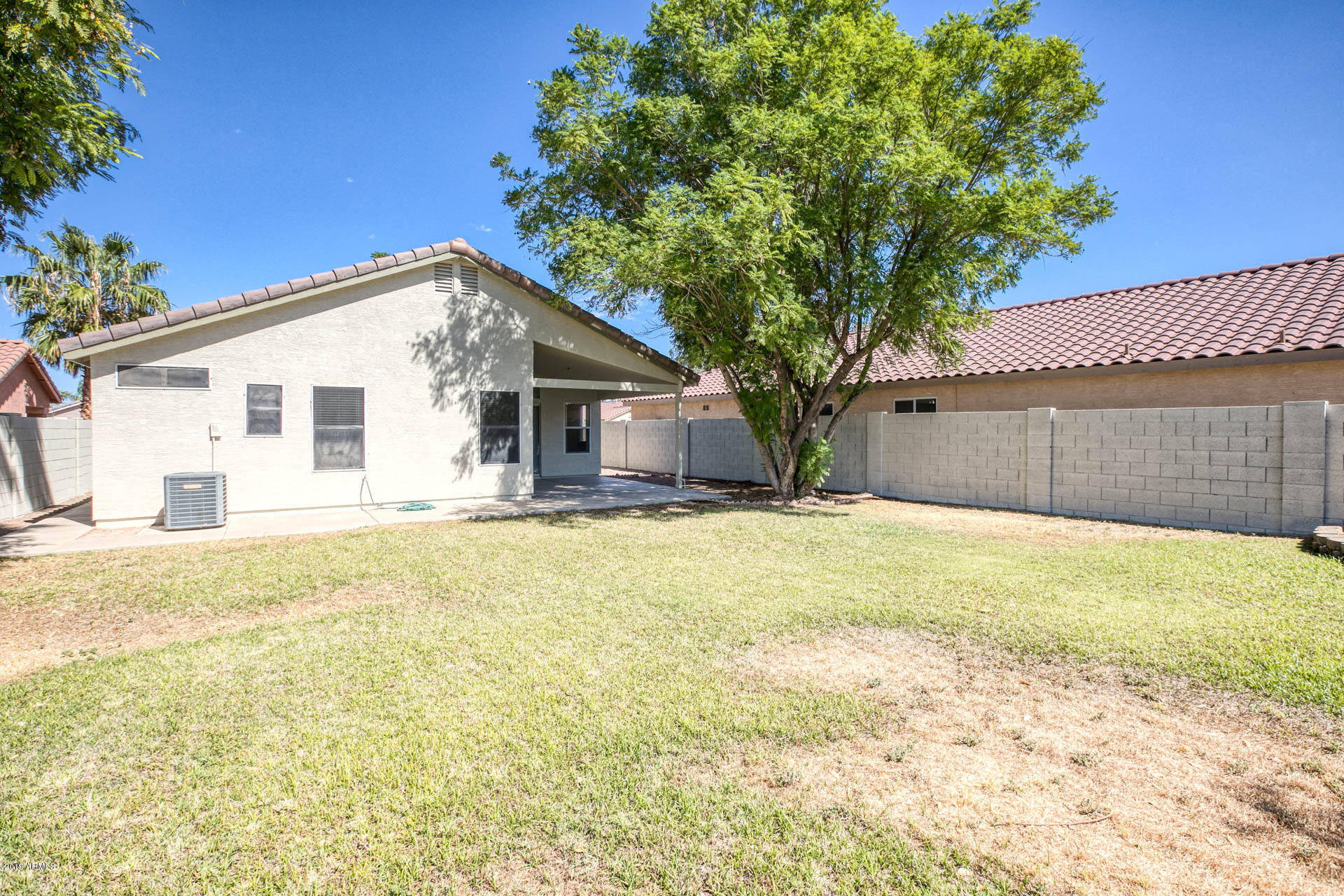 2335 E BROWNING  -26