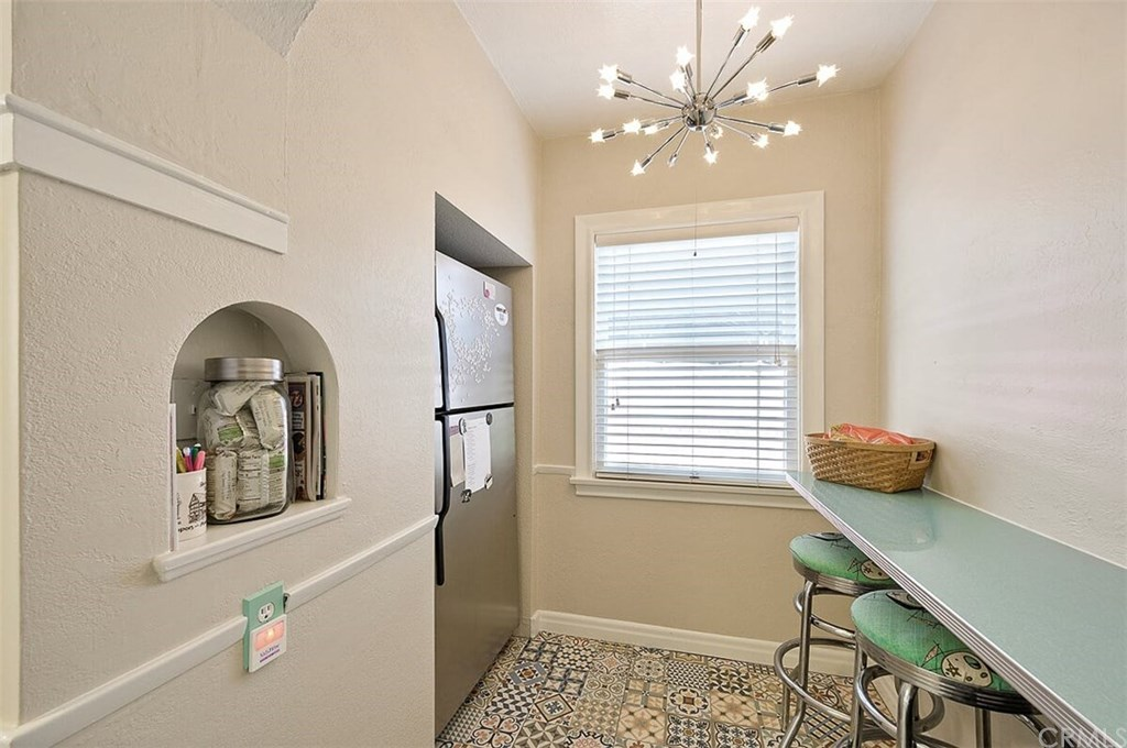 529 W Whiting Avenue-18